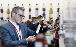 Photo: Central tasting area at ProWein