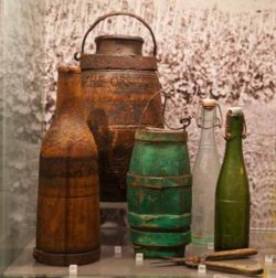 Photo: Old wine containers in a museum. Source: Matthias Stelzig