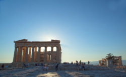 Tourist attractions such as the Acropolis... © Matthias Stelzig