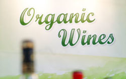"Photo: Lettering ""Organic Wines"""